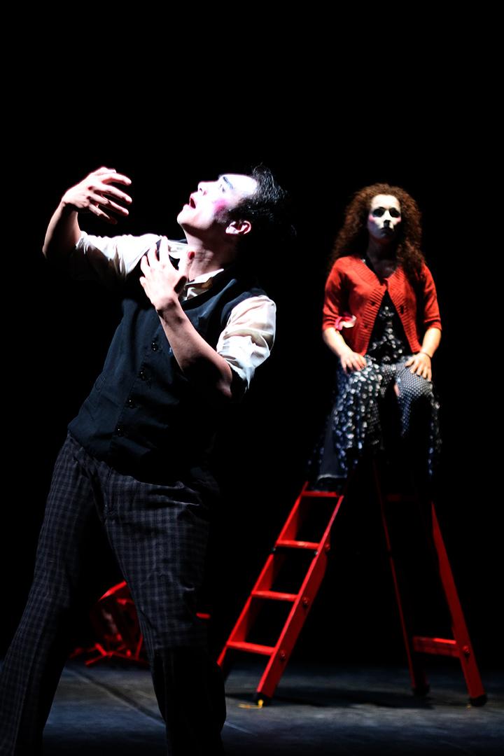 Les Chaises Chorégraphie Marie-Claude Pietragalla et Julien Derouault Photo Pascal Elliott
