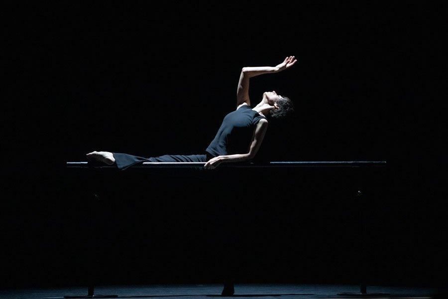 La Femme qui Danse Chorégraphie Marie-Claude Pietragalla et Julien Derouault Photo Pascal Elliott